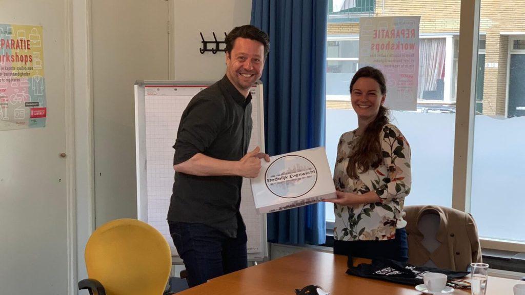 spel Stedelijk evenwicht overhandiging spel aan gemeente Rotterdam